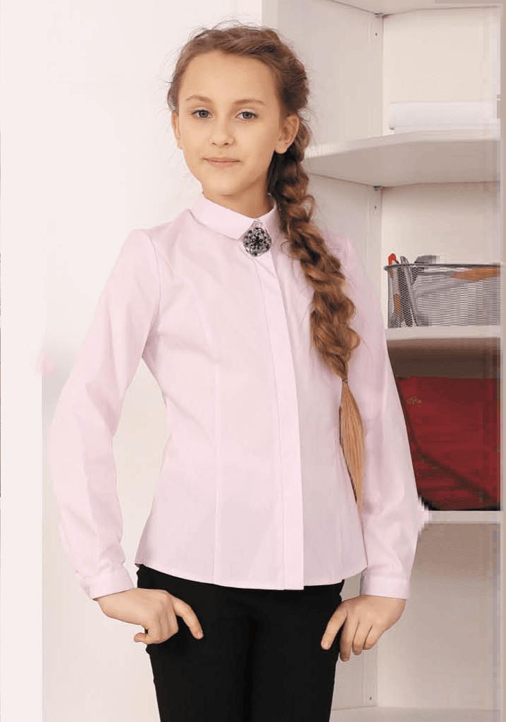 нежно-розовая блузка с длинным рукавом