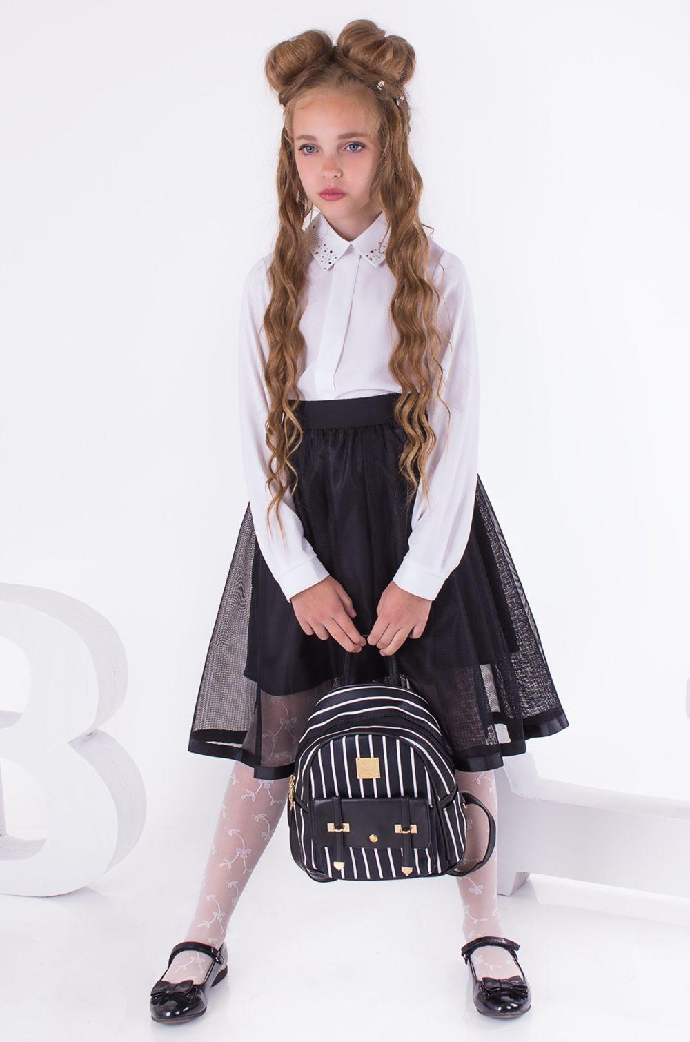 белая блуза пышная черная юбка