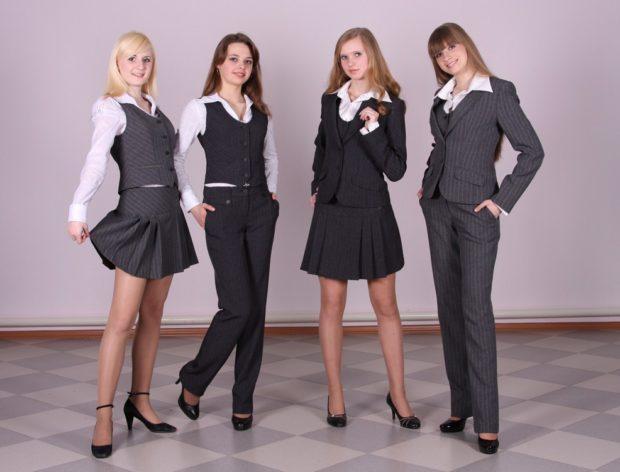 Школьная мода 2019-2020: серая юбка и жилетка брюки черные и жакет и юбка в складку