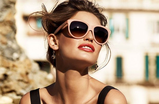 модные женские солнцезащитные очки 2020-2021: пластмассовые форма лисы