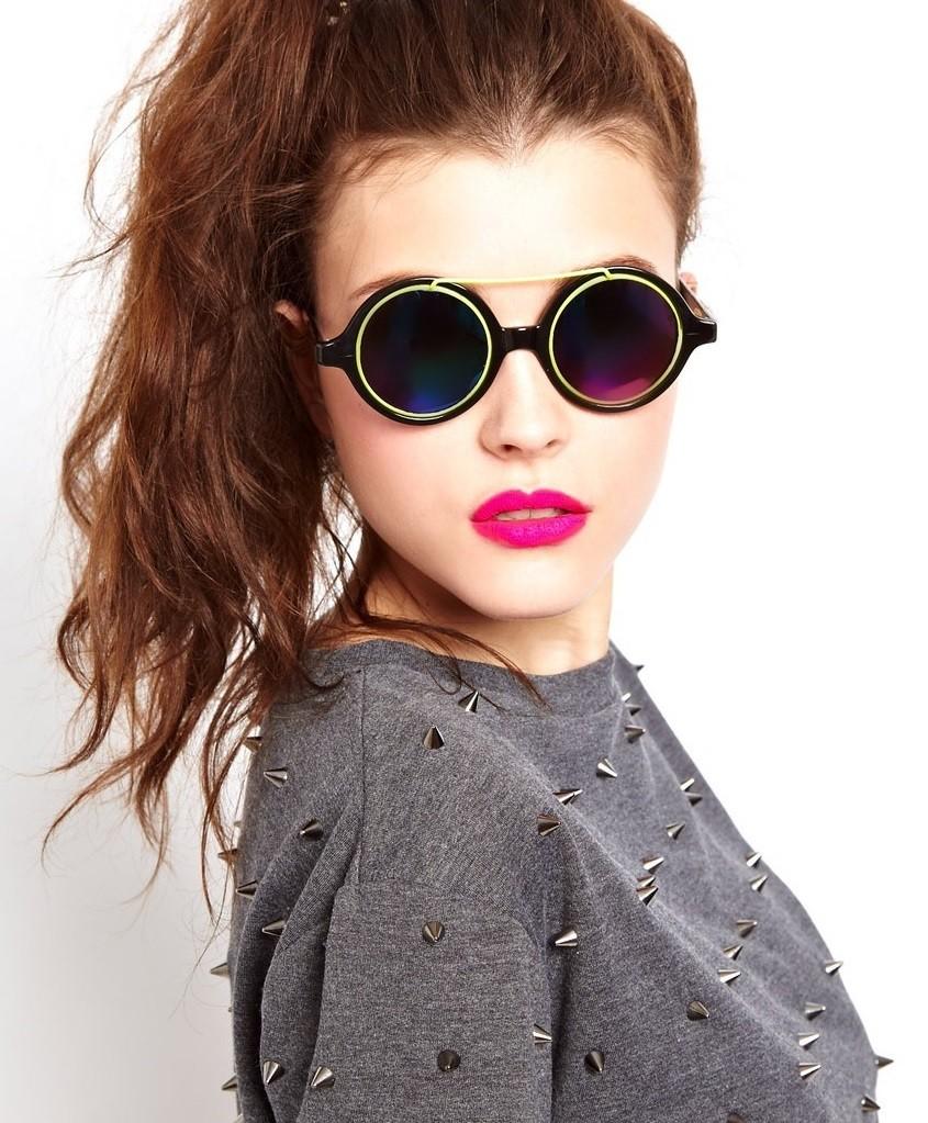 модные солнечные очки 2018 2019 женские: ленноны черные с салатовым