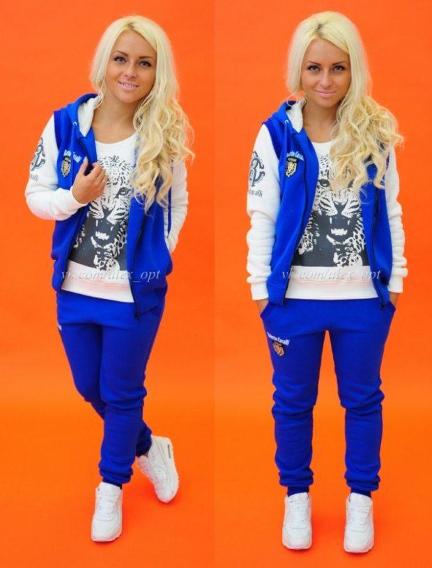 женский спортивный стиль 2019-2020: синий костюм с белым