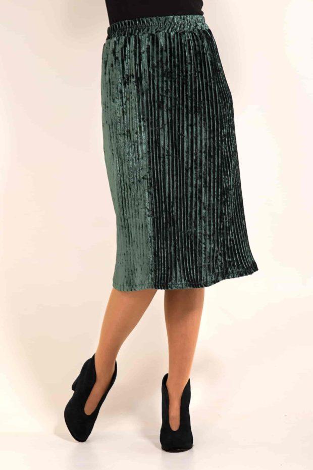 бархатная юбка плиссе с чем носить: зеленая