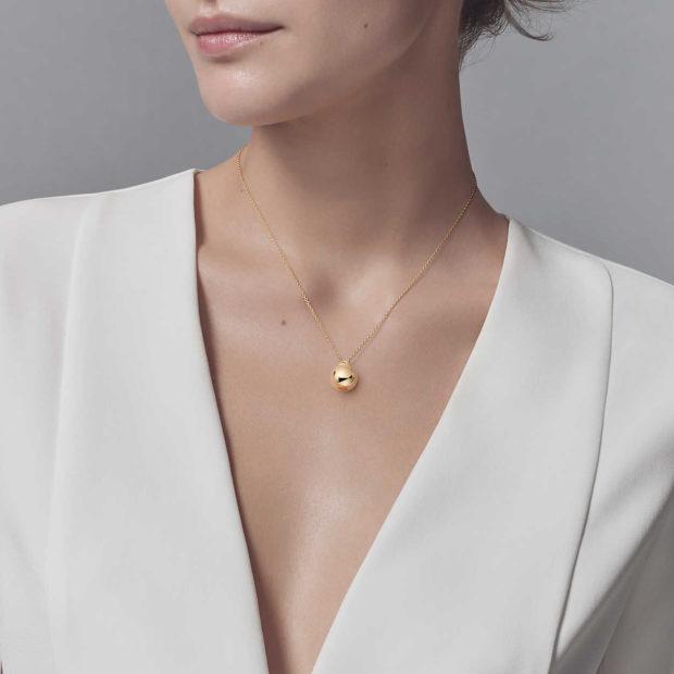 модные ювелирные украшения 2018-2019: цепочка с кулоном TIFFANY