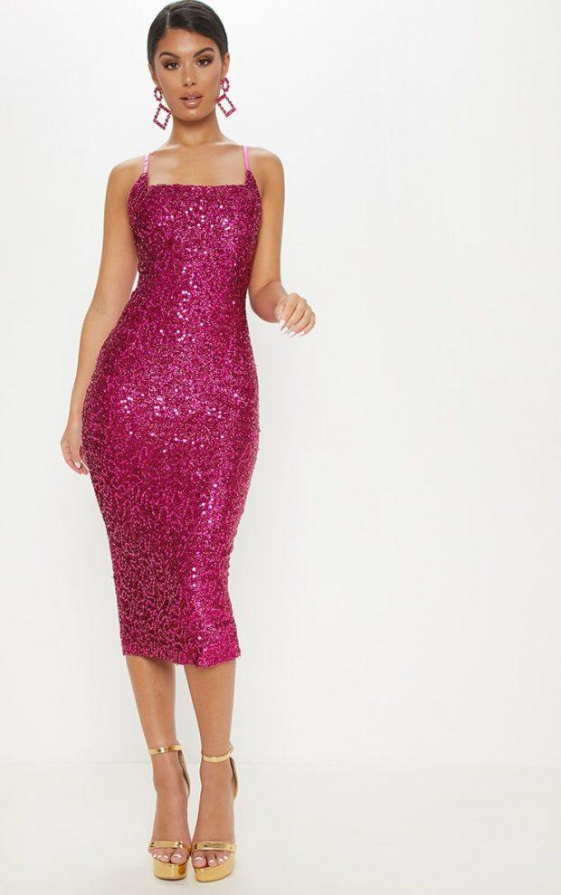 платья на Новый год: фиолетовое блестящее