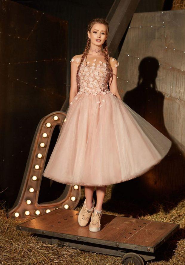 вечерние платья на Новый год: пышная юбка шифоновая верх светлое