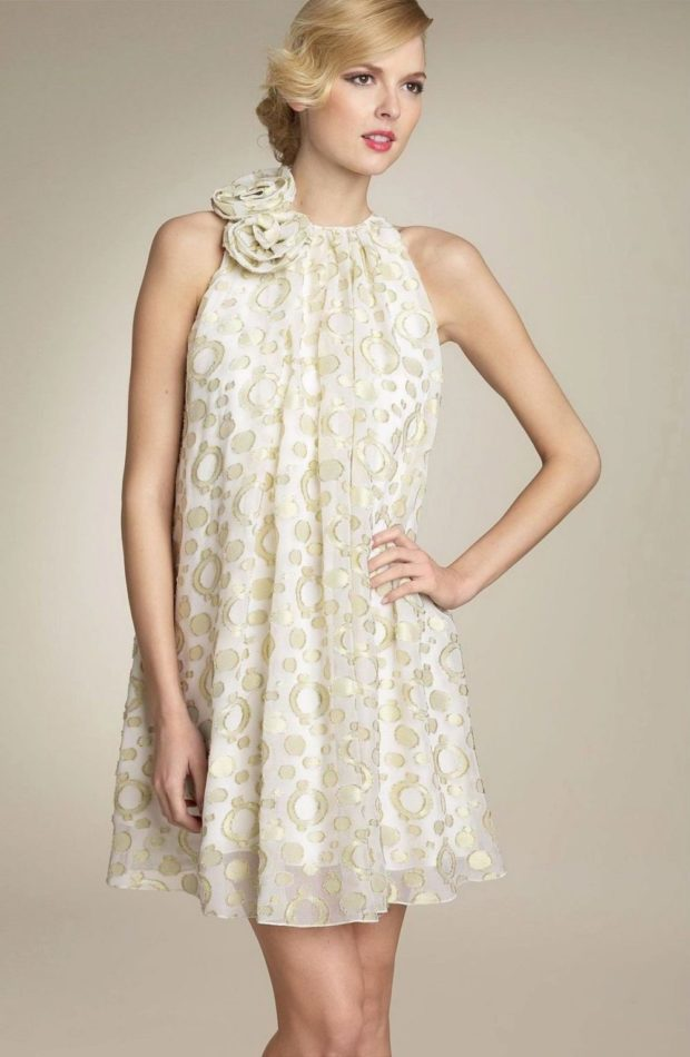 вечерние новогодние платья: трапеция без рукава с розами