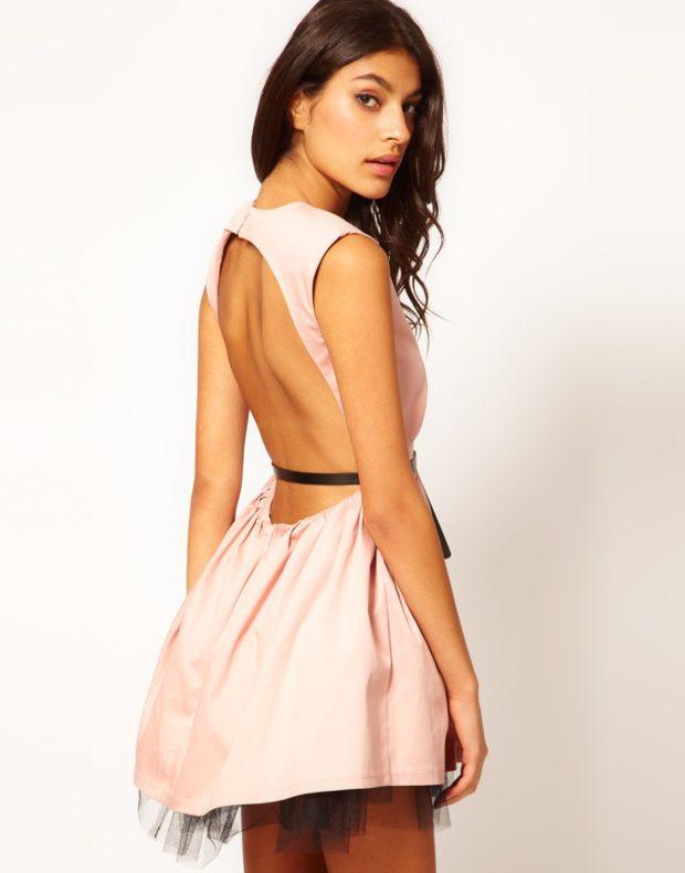 с открытой спиной розовое с кружевом снизу