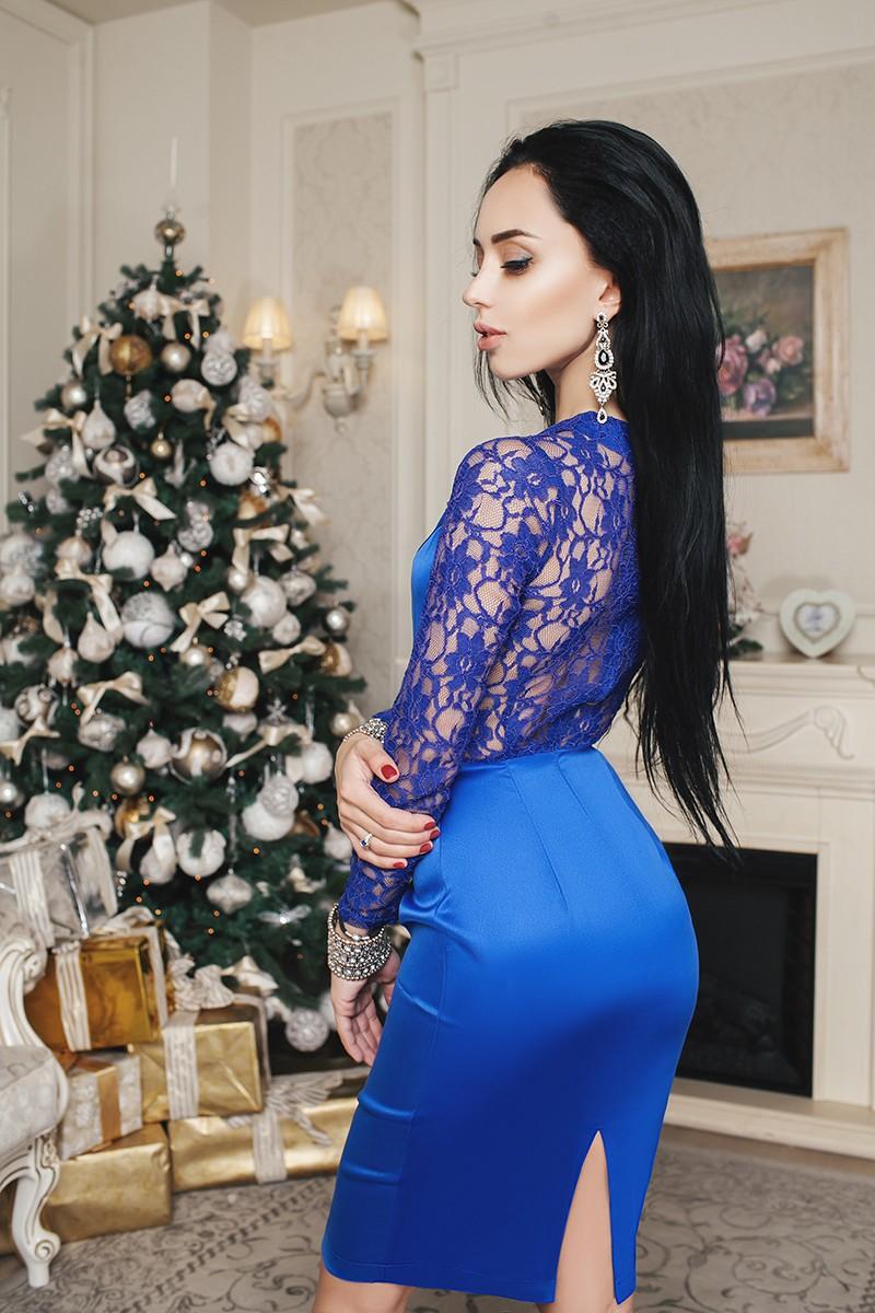 вечернее платье с кружевами синяя юбка спина кружевом