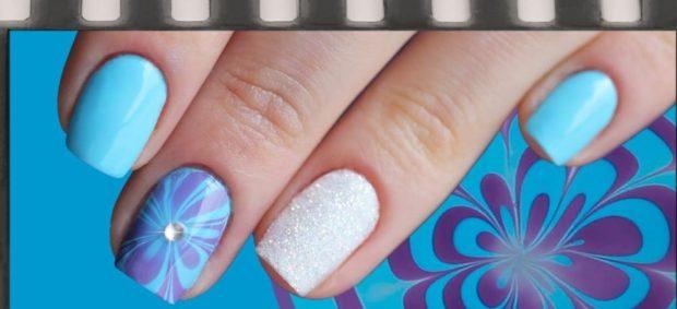 вода маникюр голубой с фиолетовым на одном пальце