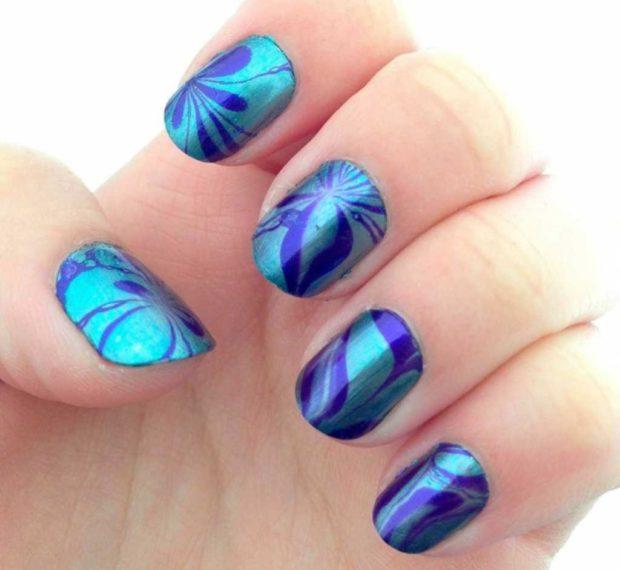водный маникюр синий с фиолетовым