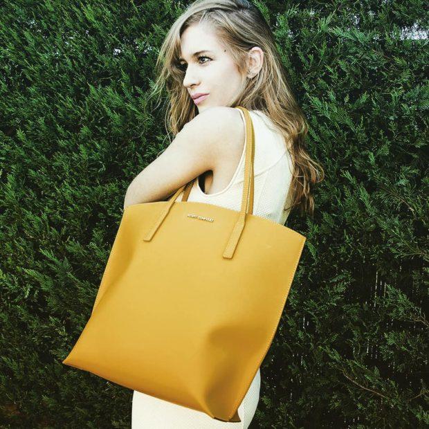 модные аксессуары 2019 2020: желтая сумка
