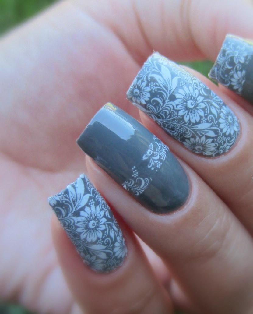 арочный маникюр серый с цветочками фото моделирование