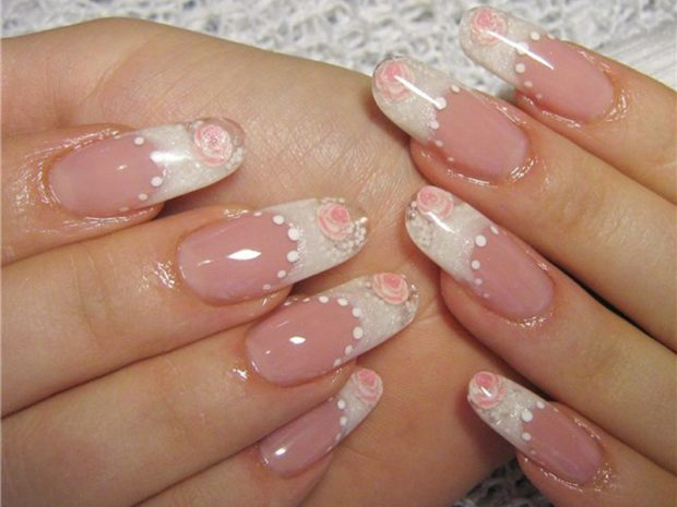 арочный маникюр белый с розовым цветком фото моделирование