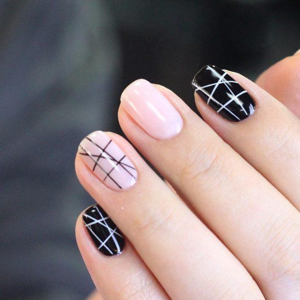 черные и белые ногти с геометрией шеллак