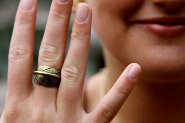 кольцо в виде листка дерева