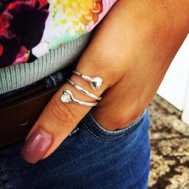 кольцо спираль с сердечками на большой палец