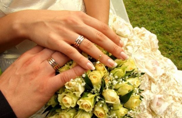 обручальные кольца в три слоя золотые