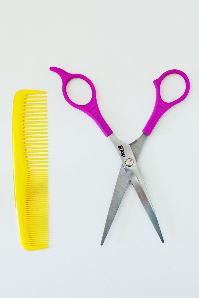 стричь волосы во время критических дней