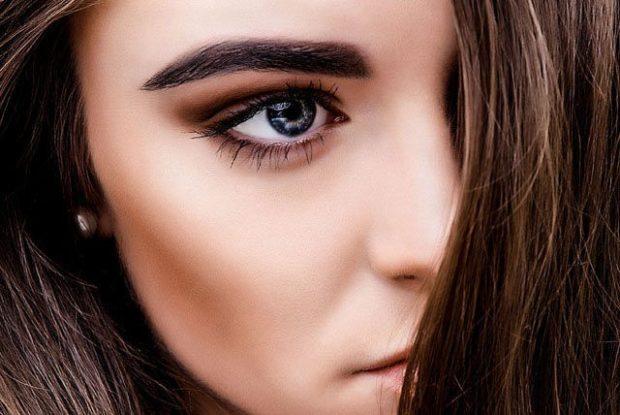 модные брови 2018: черная широкая
