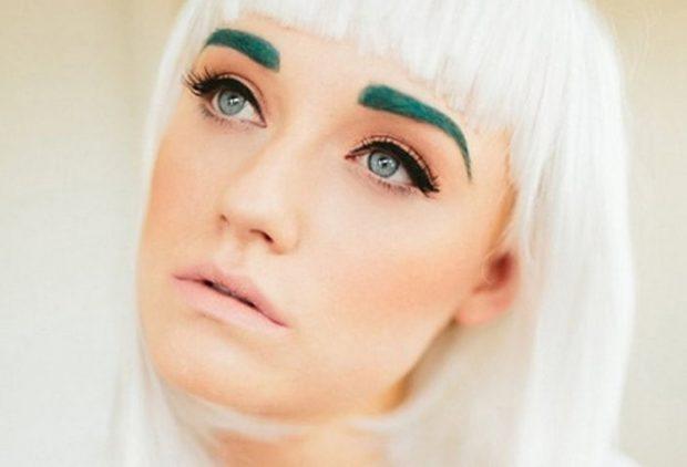 мода на брови 2018: зеленые