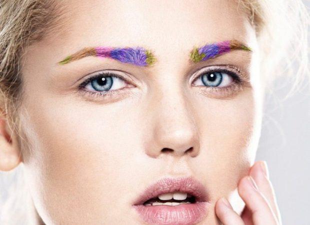 мода на брови 2018: цветные