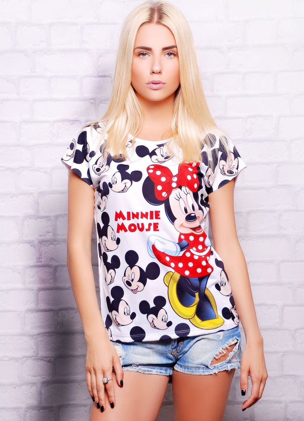футболки 2019: короткая с принтом Микки Мауса