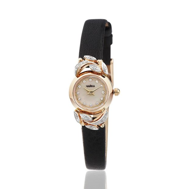модные часы женские 2018-2019: на руку золотые с декором