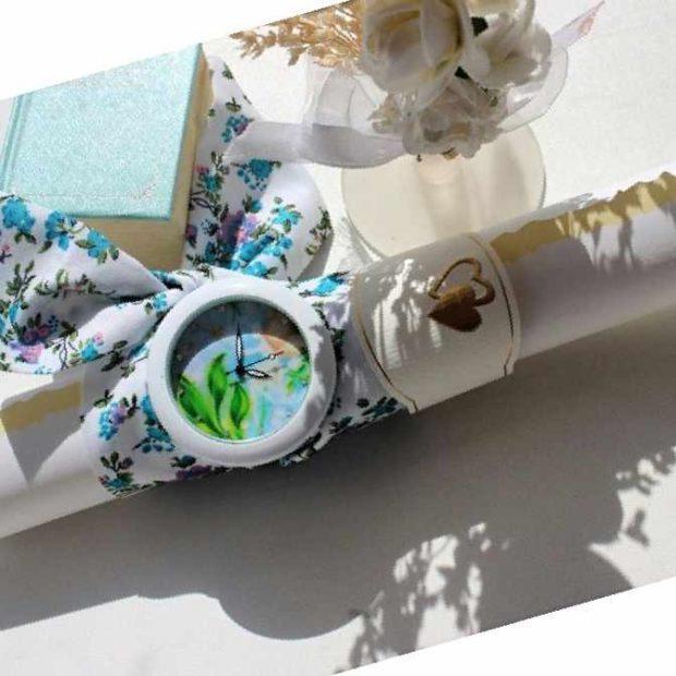 женские часы: на ремне-платке голубом