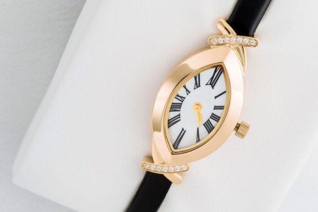 женские часы: миниатюрные в форме капли золотые ремень кожа