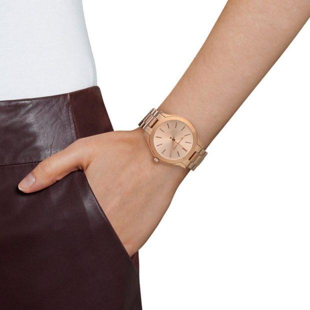 женские часы: классика золотые