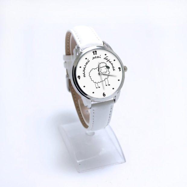 женские часы: классика белые с овечкой