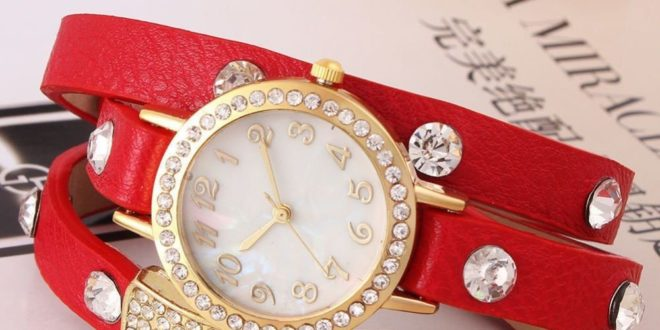 Модные наручные женские часы 2020-2021 года