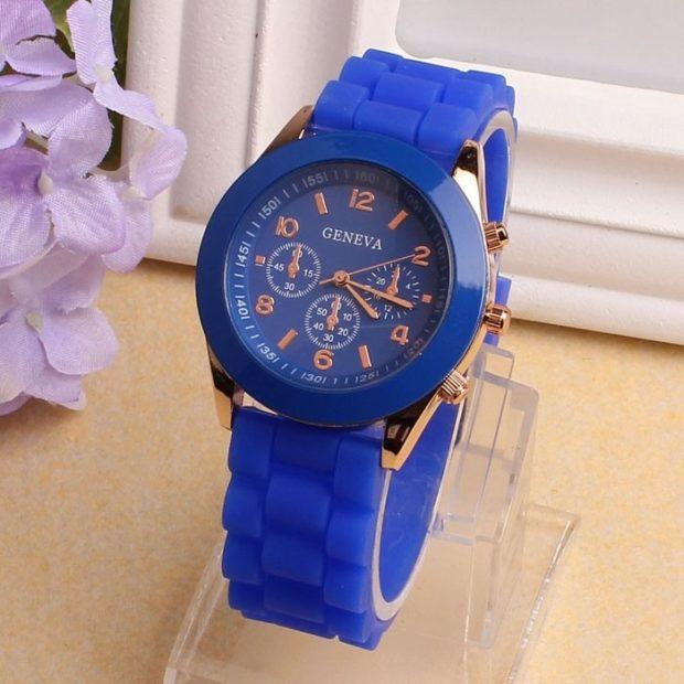 модные часы женские 2020: синие ремень каучук