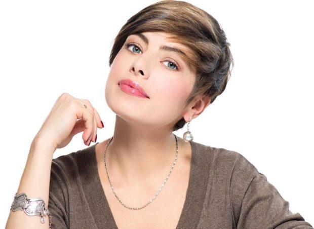 стрижка пикси с косой челкой для женщин за 30