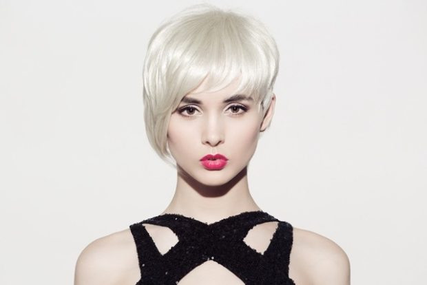 стильные стрижки на короткие волосы асимметрия рваная челка для женщин за 30 фото