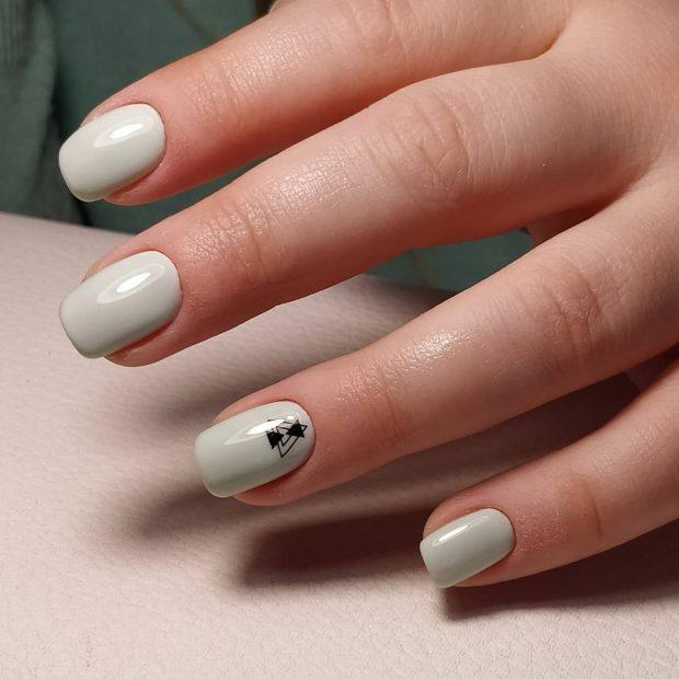 Модный дизайн ногтей шеллак 2019-2020: серый