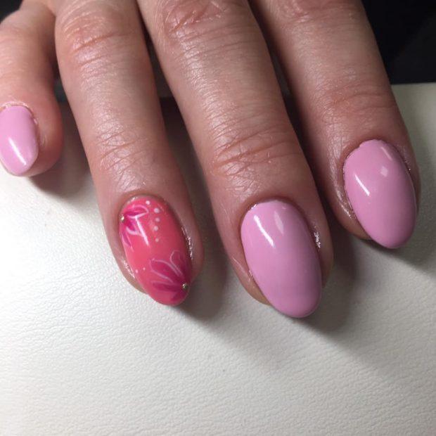 Модный дизайн ногтей шеллак 2019-2020: фиолетовый