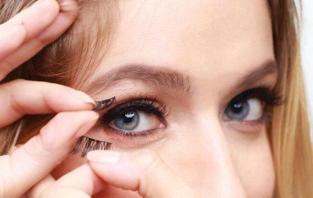 Magnetic false eyelashes on top and bottom