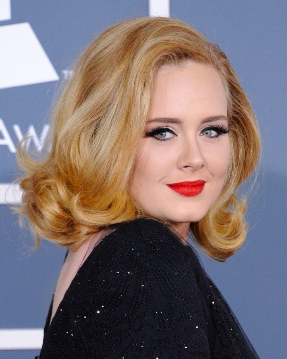 красивая стрижка на средние волосы 2018 женские. Круглое лицо