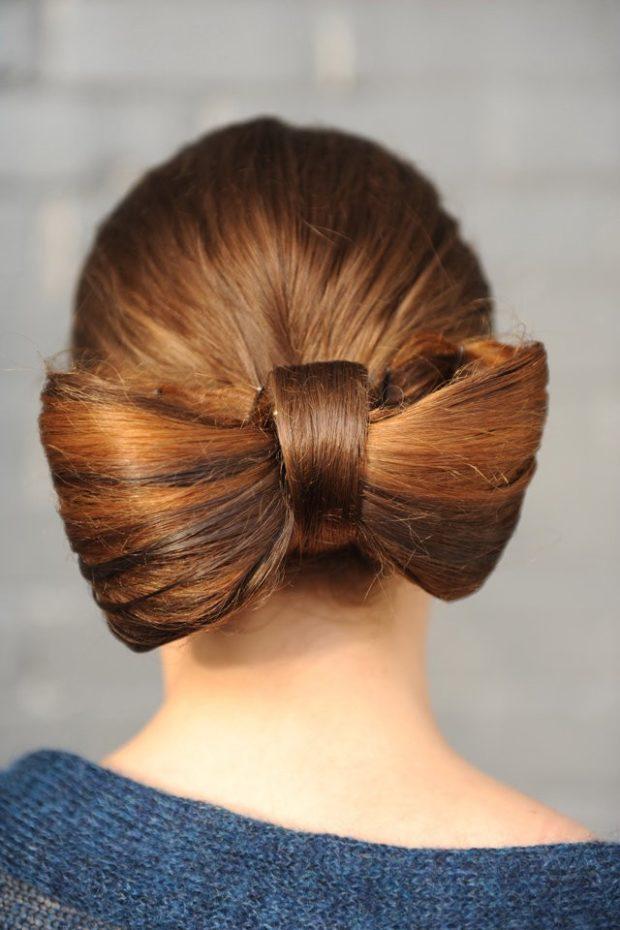 тренды укладки волос: бант на затылке