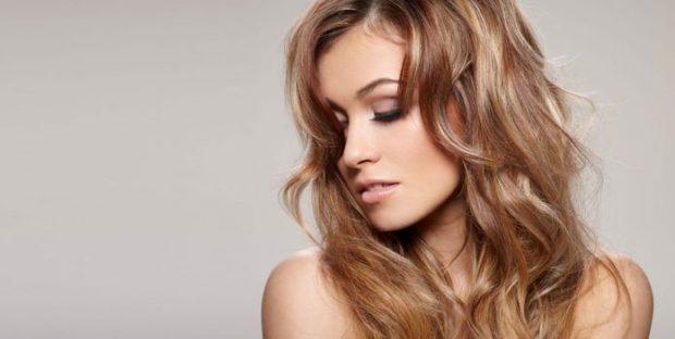 тренды укладки волос: каскад волнистый ниже плечиков