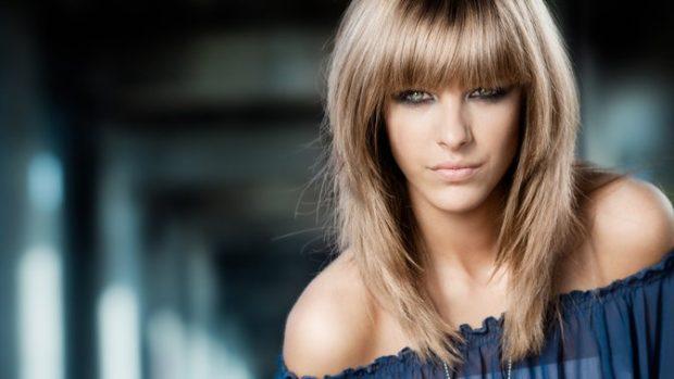 тренды укладки волос: каскад с ровной челкой