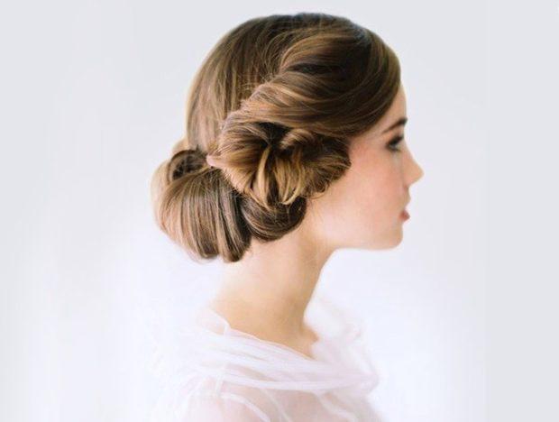 укладки: греческая собранные волосы без украшений
