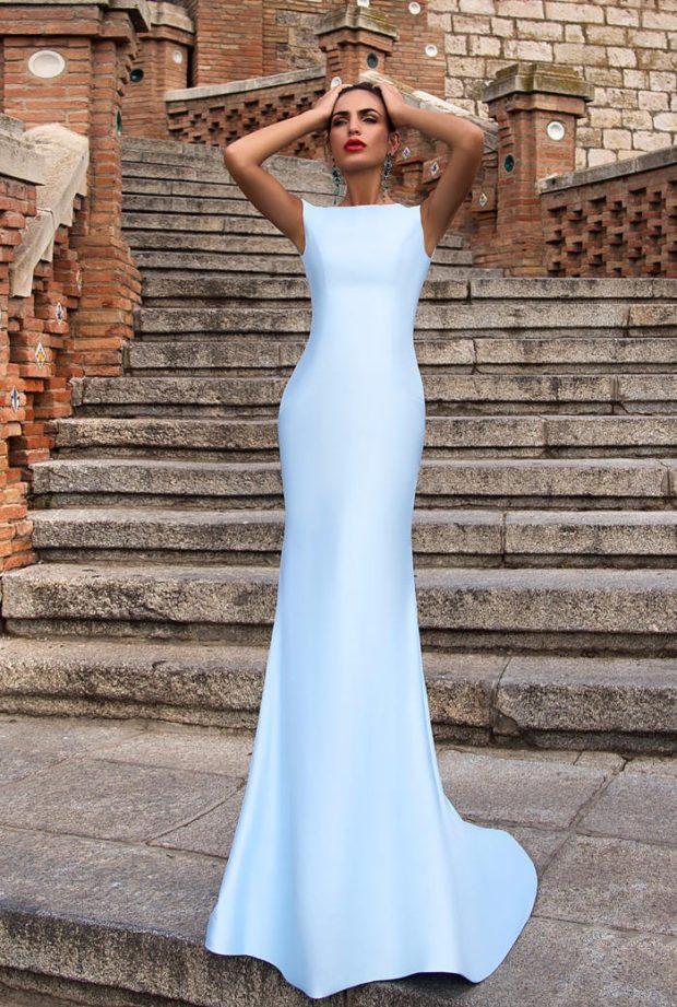 вечерние платья 2019-2020: в пол голубое без рукава модное