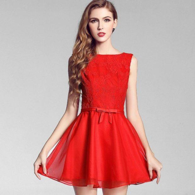 короткое вечернее платье: красное без рукава юбка пышная