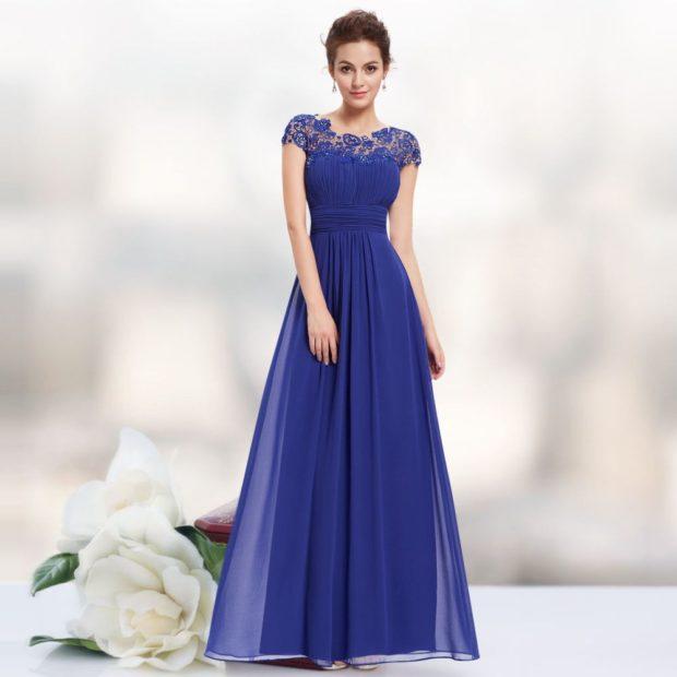вечерние платья модные тенденции: синее длинное плечи с кружевом юбка с шифоном тенденции тренды фото новинки