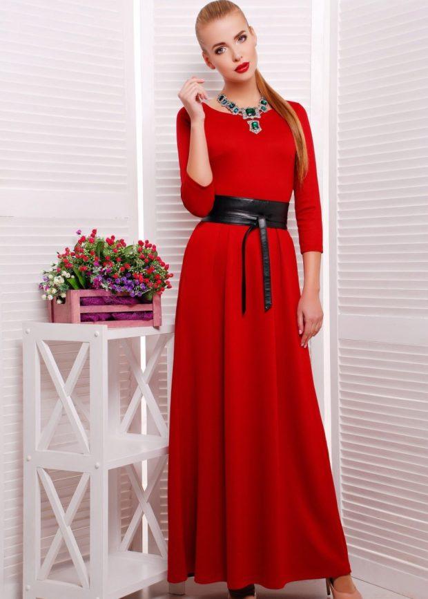 вечерние платья модные тенденции: длинное в пол с поясом