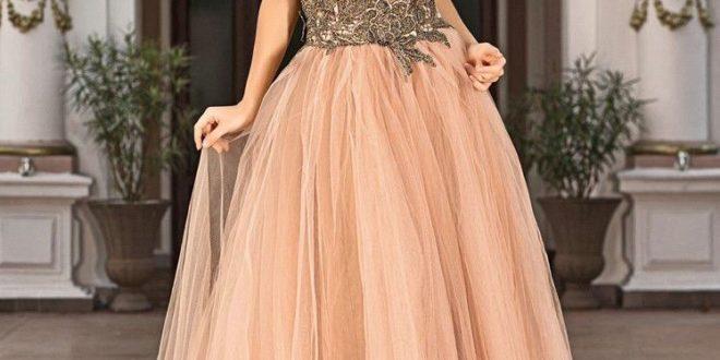 Самые модные вечерние платья 2019-2020 года. Тенденции, фото, новинки.