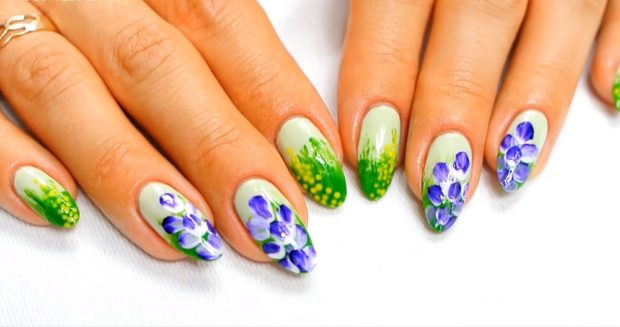 цветочный маникюр зеленый с синим